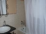14 Planta +1 - Cuarto de baño habitación individual (fuera de la habitación)